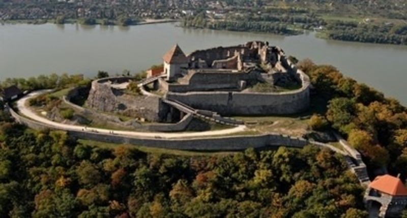 Hungary Danube Bend Tour with Visegrad Castle and Szentendre town